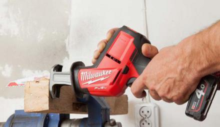 Test akumulatorowej piły szablastej Milwaukee M12 CHZ